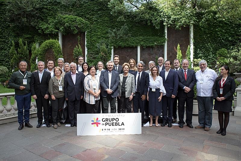 Grupo de Puebla reúne políticos de esquerda
