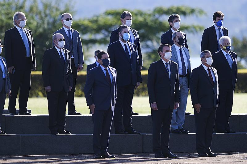 ministros bolsonaro mascara