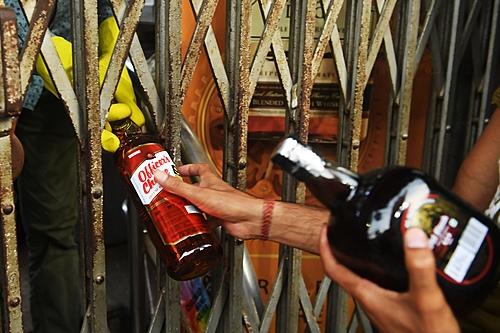 Ansiedade, abuso de álcool, suicídios: pandemia agrava crise global de saúde mental