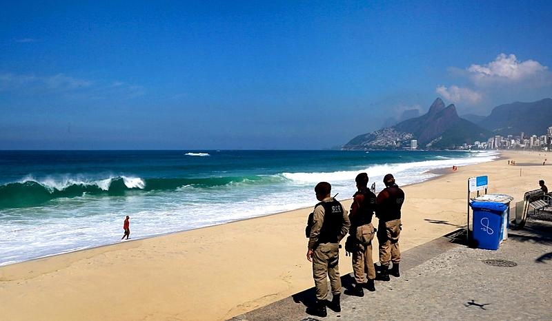 Guardas praia pandemia