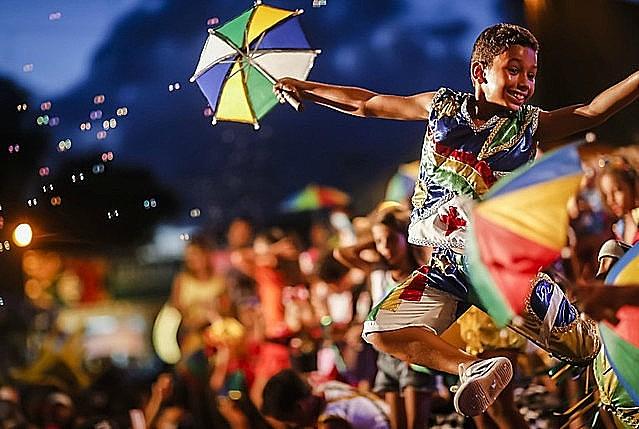 Declarado Patrimônio Imaterial da Humanidade pela Unesco em 2012, frevo marca a resistência do carnaval livre e popular no Brasil