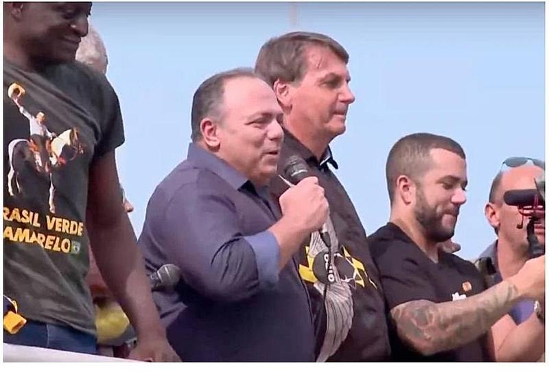 Bolsonaro e Pazuello aglomeram sem máscara em ato no RJ; CPI | Saúde
